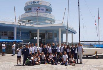 Nuestros alumnos visitan el CIDEMAT para su bautizo de mar.