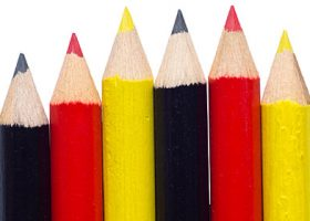 isolated-crayons-with-german-colors-PKE56B8aleman